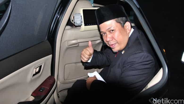 Permalink ke Fahri: I was in the Coalition Self Red and White